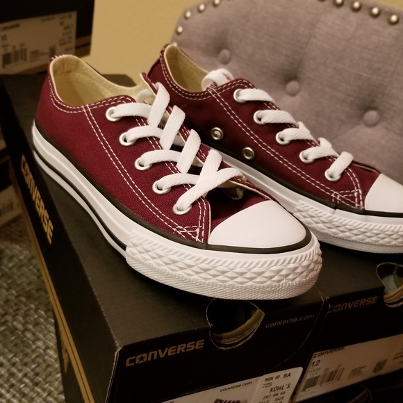 ad446fa34341 Brand new kids youth size 12 burgundy converse